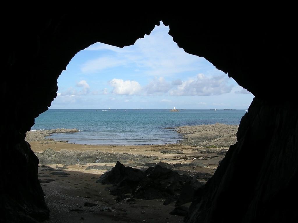 Une grotte réelle ? 15239550441293827285