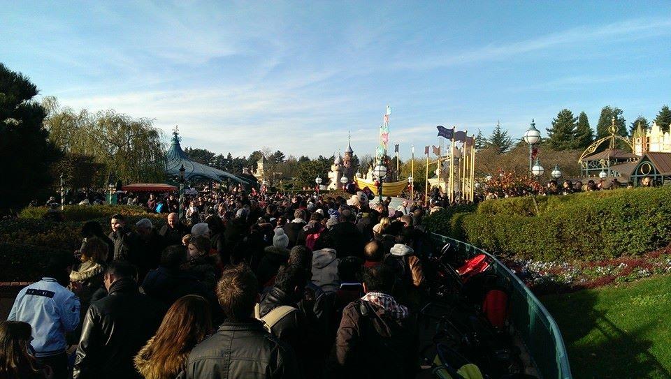 Disneyland Paris peut il vraiment se faire rattraper par des voisins Européens?  - Page 3 15257699561943190620