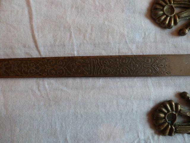 Armes blanches (épées - Vengeur 1870 ...) 15264613801051961526