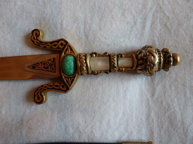 Armes blanches (épées - Vengeur 1870 ...) 152646192714251043