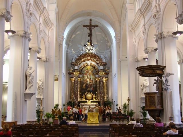 http://www.image-heberg.fr/files/15363038512085395666.jpg